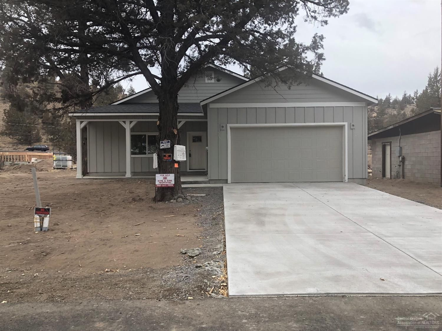 64590 Wood Ave Bend Or 97703 3 Bed 2 Bath Single Family Home Mls 201905069 13 Photos Trulia