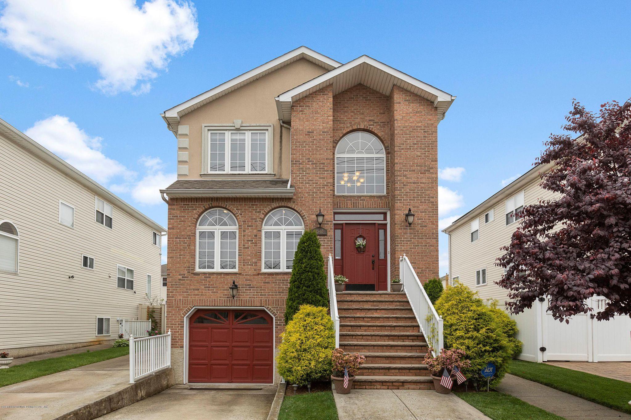1540 Drumgoole Rd W, Staten Island, NY 10312 - 5 Bed, 5 Bath Multi-Family -  MLS #1129392 - 27 Photos | Trulia