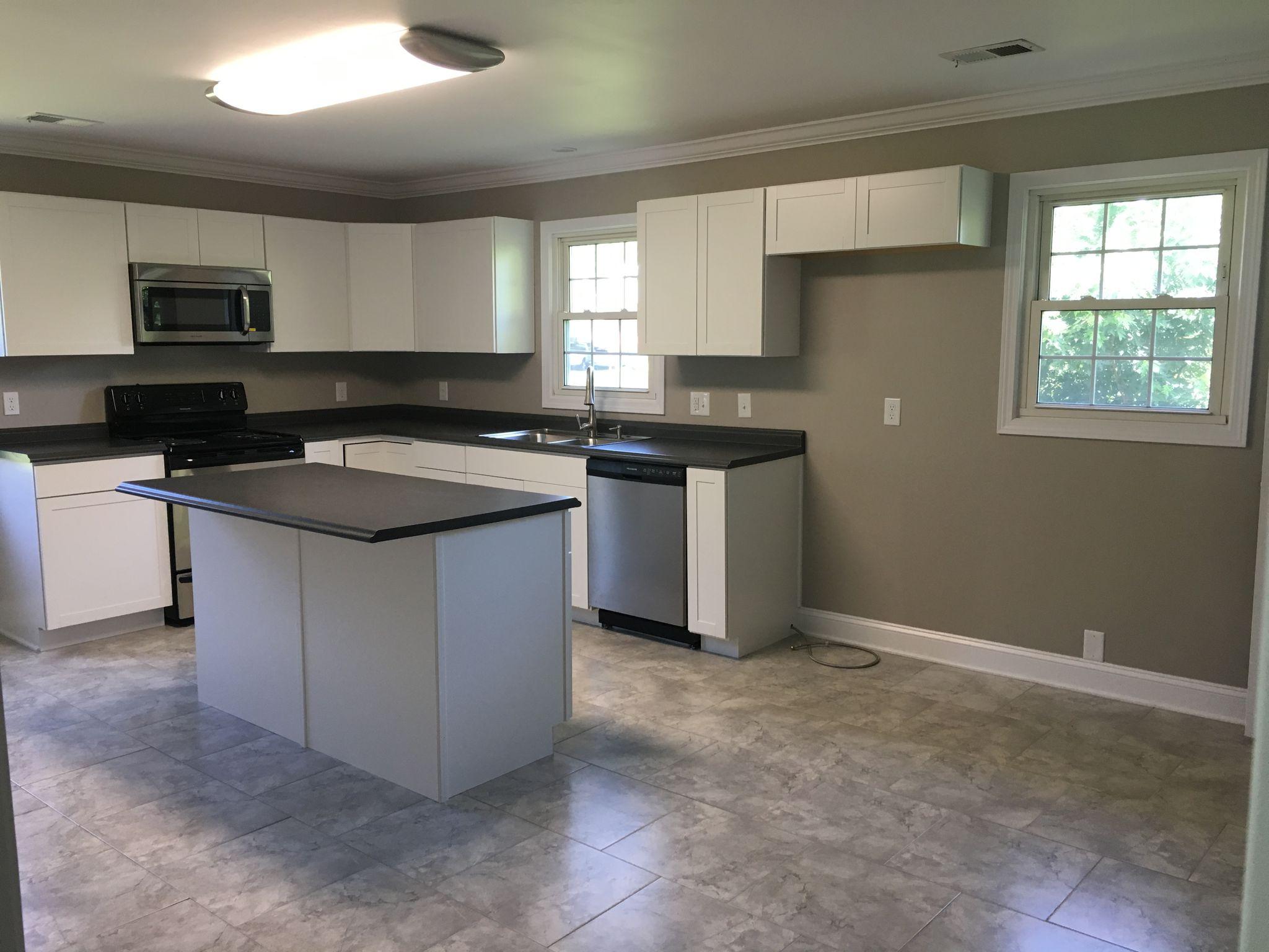 Kitchen cabinets johnson city tn - 121 Sunnyview Ct