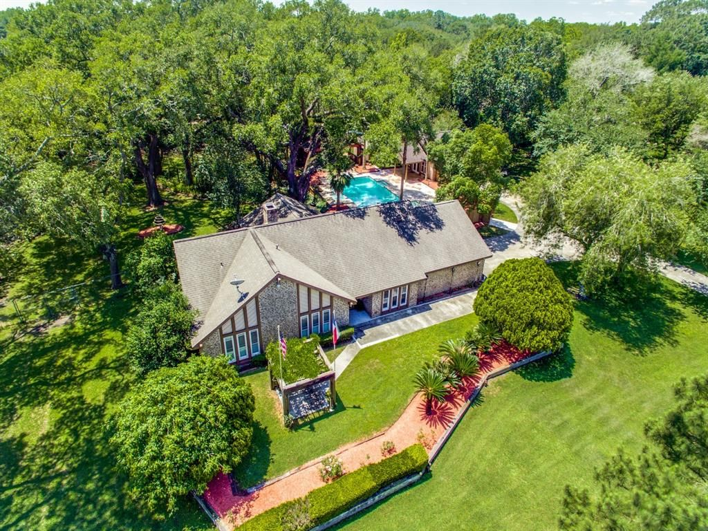 15115 Primrose Ln, Santa Fe, TX 77517 - 3 Bed, 4 Bath Single-Family Home -  MLS #28214828 - 41 Photos | Trulia