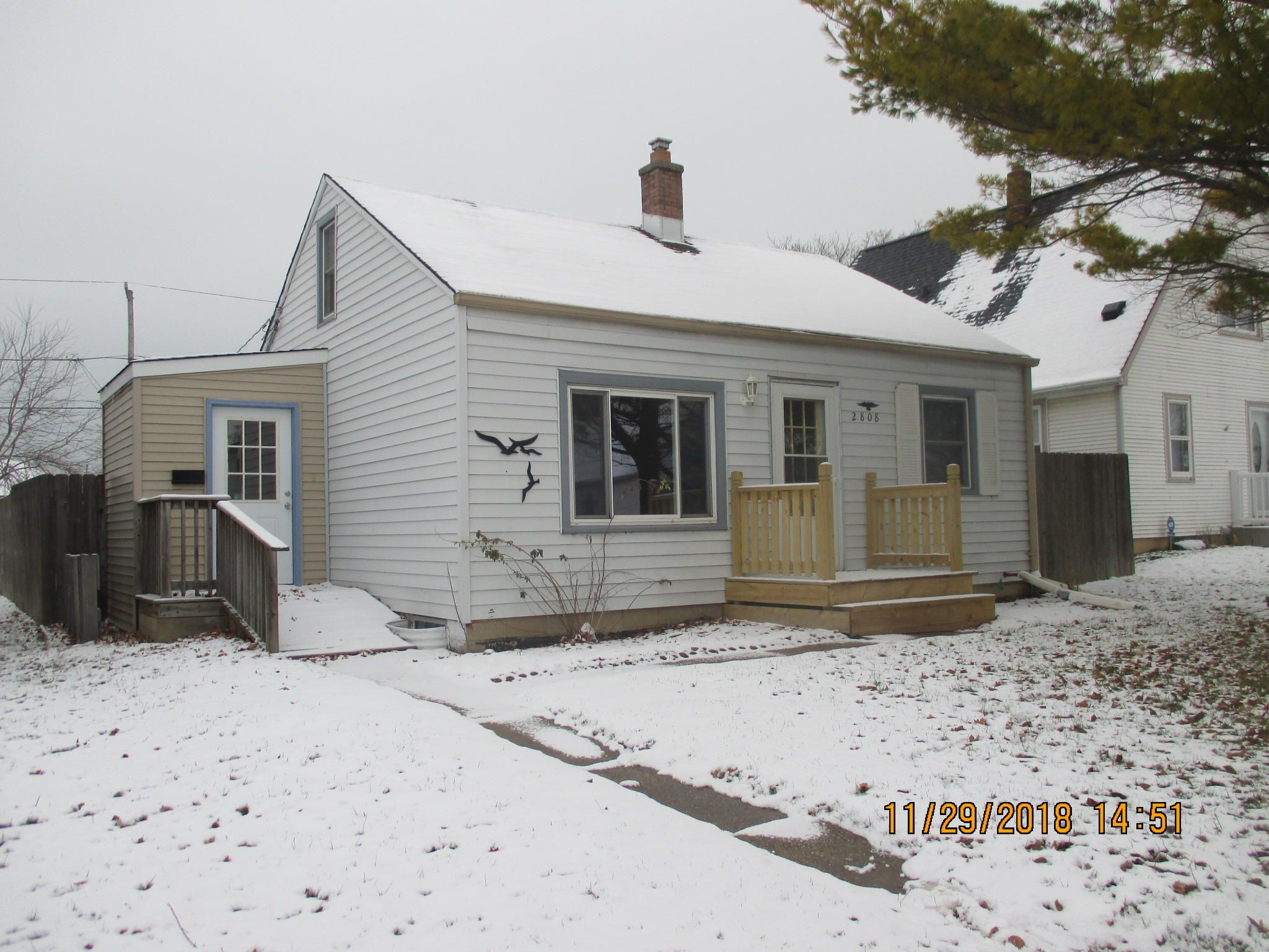 2808 E Vogel Ave Cudahy Wi 53110 3 Bed 1 Bath Single Family