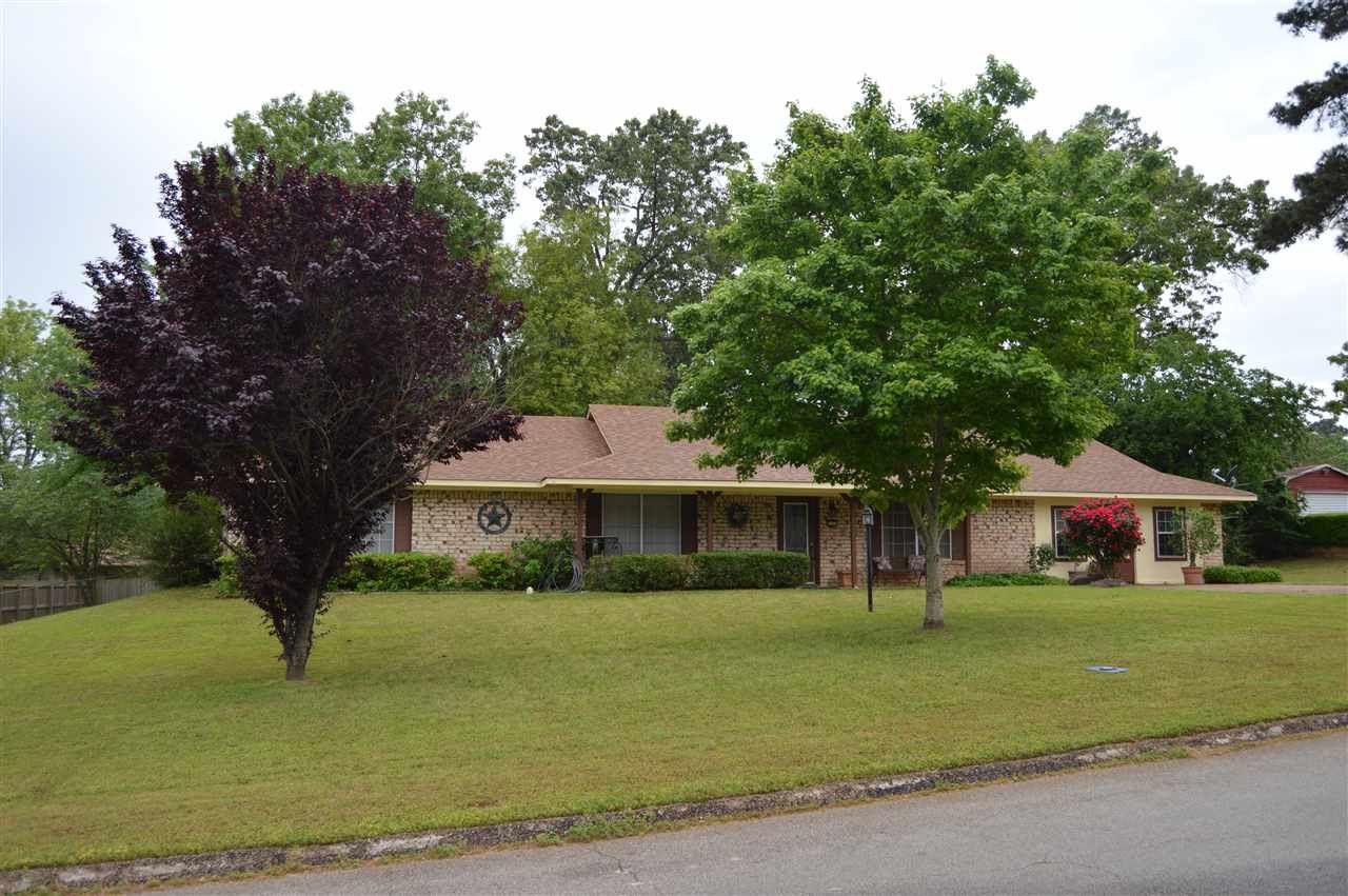 2205 Woodbine Dr, Gladewater, TX 75647 - 3 Bed, 2 Bath Single-Family Home -  MLS #20191742 - 18 Photos   Trulia