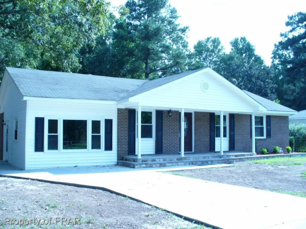 1006 Riverside Cir, Spring Lake, NC 28390 - 3 Bed, 2 Bath Single-Family  Home - MLS #549186 - 16 Photos | Trulia