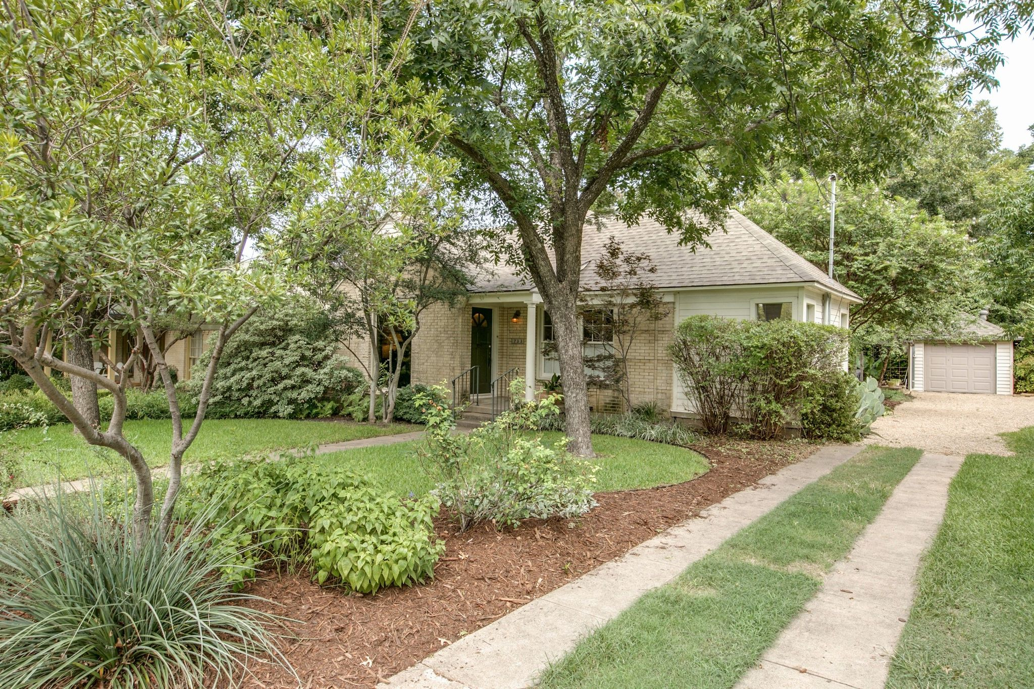 722 Tenna Loma Ct Dallas TX Estimate and Home Details