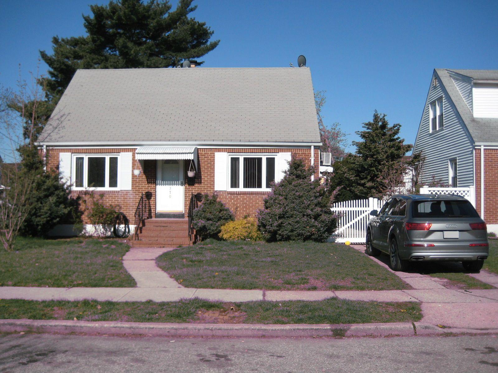3700 2nd Pl, Uniondale, NY 11553 - 4 Bed, 2 Bath Single-Family Home - 29  Photos | Trulia