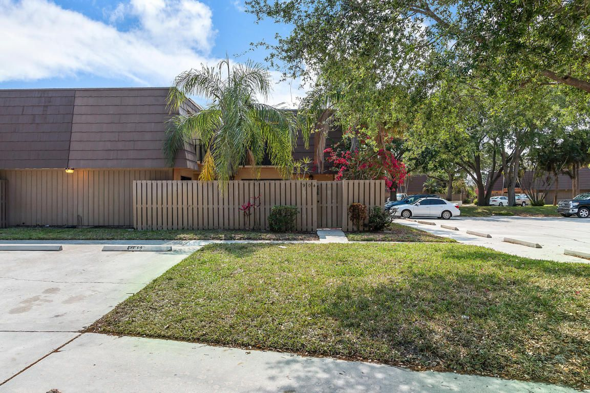 904 9th Ct #904 For Sale - Palm Beach Gardens, FL | Trulia