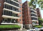 950 sqft  2 beds  1 bath  co-op in Queens  NY - Rego Park