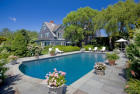 6000 sqft  9 beds  6 baths  single-family home in East Hampton  NY - 11937