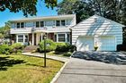 2681 sqft  5 beds  4 baths  single-family home in White Plains  NY - 10605